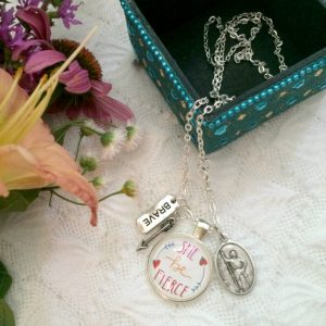 These hand lettered and illustrated pendants from Rakstar Designs are as inspirational as they are beautiful