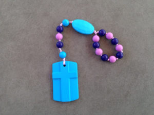 These silicone teething rosaries are perfect for sensory kiddos
